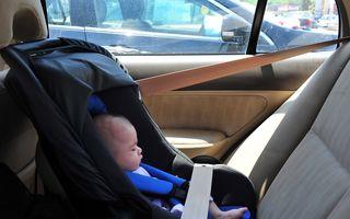 Cuptor pe patru roţi: De ce este periculos să laşi un copil într-o maşină încinsă de soare