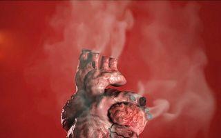 Fumatul rupe inima: Imaginile care ar trebui să-i sperie pe fumătorii înverşunaţi