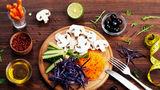 10 trucuri simple care te ajută să tai din calorii fără mult efort