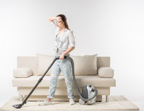Cum să dai corect cu aspiratorul. 5 reguli pentru curățenie impecabilă