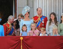 Kate Middleton are reflexe de portar: A prins-o pe micuţa Charlotte când era să cadă în balcon
