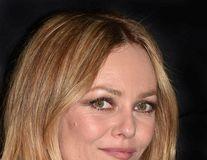 Ce a avut şi a pierdut Johnny Depp: Vanessa Paradis, înfloritoare în prag de nuntă