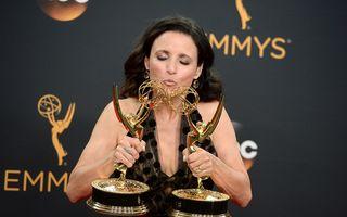 """Julia Louis Dreyfus, o rază de soare în lupta cu cancerul: Imagine emoţionantă cu vedeta din """"Seinfeld"""""""