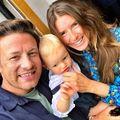 """Soţia lui Jamie Oliver, despre cum e să creşti 5 copii: """"Îţi toacă creierul!"""""""