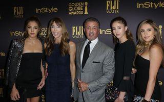 Cele trei graţii: Fetele lui Sylvester Stallone se distrează la mare