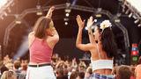Ce să faci ca să ai picioarele pregatite de dans în timpul festivalurilor