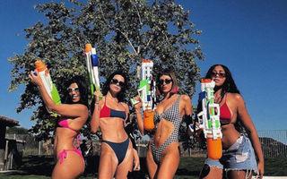 Cele mai sexy costume de baie purtate de surorile Kardashian