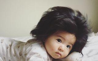 Are doar 6 luni și e admirată pentru părul ei. O fetiță a devenit vedetă pe Internet