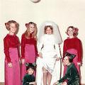 Cele mai ridicole rochii ale domnișoarelor de onoare ne arată cât de mult s-au schimbat vremurile