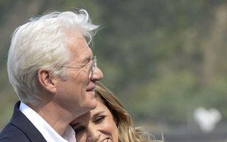 """""""Frumușelul"""" nu mai pierde timpul: Richard Gere se pregătește să devină tată la 69 de ani"""