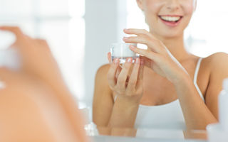 7 mituri despre cremele cu retinol - Ce vor dermatologii să știi