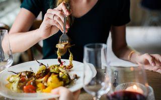 12 reguli de etichetă pe care să le respecți la restaurant