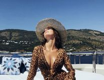 Camila Morrone, fata care l-a subjugat pe DiCaprio. Se însoară cu ea?