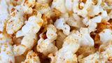 15 idei de condimente pentru popcorn - Sunt mai bune decât untul