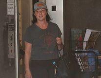 Înapoi la viața normală: Shannen Doherty face Pilates după ce s-a vindecat de cancer
