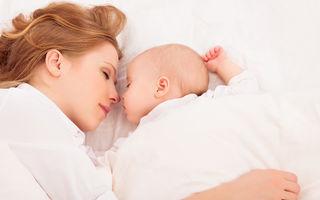 Co-sleeping - 3 beneficii pe care le ai dacă dormi în pat cu copilul