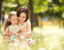 Revenirea la serviciu după concediul de maternitate: 4 sfaturi de care să ții cont