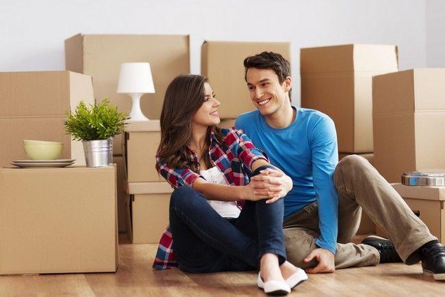 Cuplu în casă nouă
