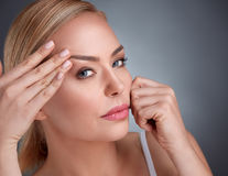 Cum să arăți mai tânără: sfaturile dermatologilor