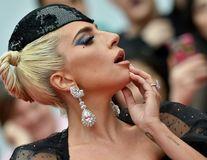 Chinul din spatele cortinei: Lady Gaga are dureri cronice în fiecare zi