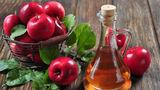 Cum să folosești oțetul de mere pentru piele frumoasă și păr strălucitor