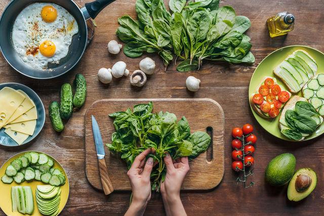 8 legume care îți țin de foame și te ajută să slăbești