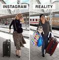 O artistă din Germania parodiază pozele perfecte de pe Instagram. Vei râde cu lacrimi!
