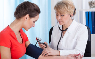 Obiceiurile care pot cauza creșterea tensiunii arteriale