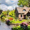 Giethoorn, orășelul magic din Olanda care pare construit pe apă