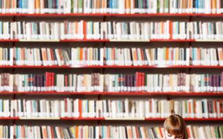 De ce ar trebui să te înconjuri cu mai multe cărți decât poți citi