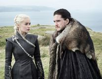 """Mama dragonilor: Emilia Clarke și-a făcut un tatuaj inspirat din """"Game of Thrones"""""""
