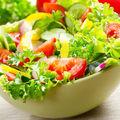 5 ingrediente pentru o salată care te ajută să slăbești