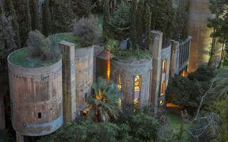 Un arhitect a transformat o fabrică veche de ciment în propria sa locuință. Arată incredibil!