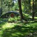 """Aici locuiește un hobbit: Casa pe care și-a construit-o un fan al trilogiei """"Stăpânul inelelor"""""""