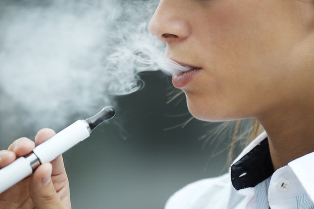 Cât de periculoase sunt țigările electronice pentru sănătatea ta?