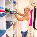 9 moduri geniale de a împături hainele pentru a ocupa mai puțin spațiu
