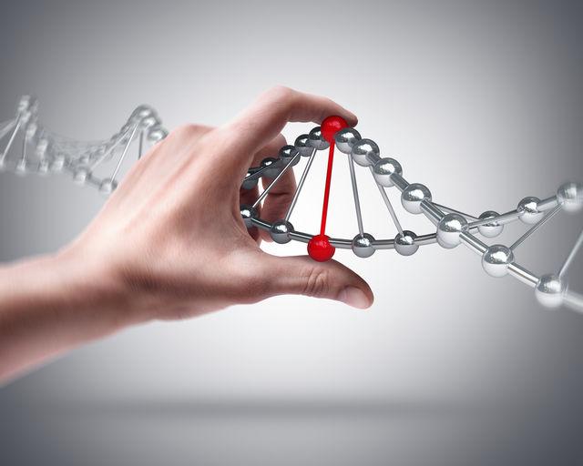 """Testul BRCA: Ce sunt """"genele cancerului de sân"""" și cine ar trebui să se testeze"""