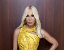 Michael Kors a cumpărat Versace pentru suma de 2,12 miliarde de dolari