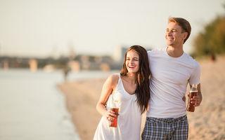 Bărbații înalți și femeile scunde formează cele mai fericite cupluri