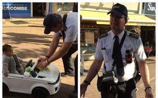 Scenă revoltătoare: I-a dat amendă pentru parcare unui copil dintr-o mașină de jucărie