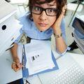 7 semne că ești dependent de muncă
