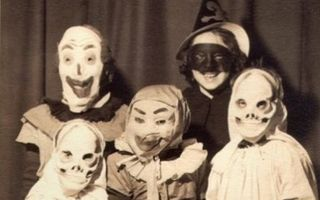 Cum era Halloween-ul acum 100 de ani. 18 costume vintage