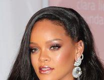 5 trucuri de machiaj oferite de makeup artistul Rihannei