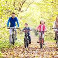 6 soluții distractive pentru a face mișcare în familie