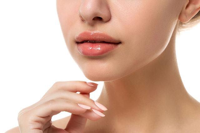 Remedii naturale pentru buze crăpate