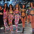 Show-ul Victoria's Secret 2018. 30 de ținute spectaculoase