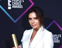 Victoria Beckham s-a tuns în mașină, în drum spre gala People's Choice Awards