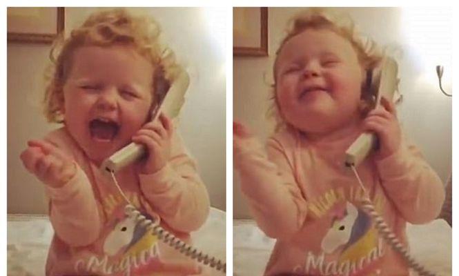 fetița telefon