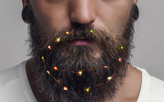 Moda de Sărbători: S-au inventat luminițele de Crăciun pentru barbă