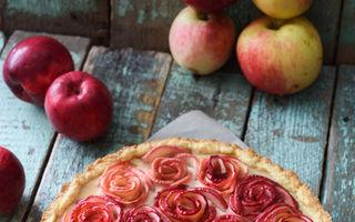 Tartă festivă cu trandafiri din mere